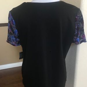 Simply Styled Tops - New Top with Flutter Sleeves Tossed Shadow Floral